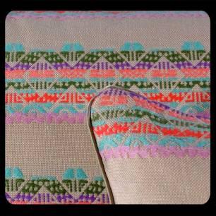 coussin-laura-detail-cestbienjoli