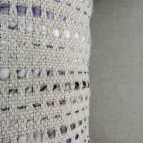Coussin-teddy-blanc-detail-c-est-bien-joli